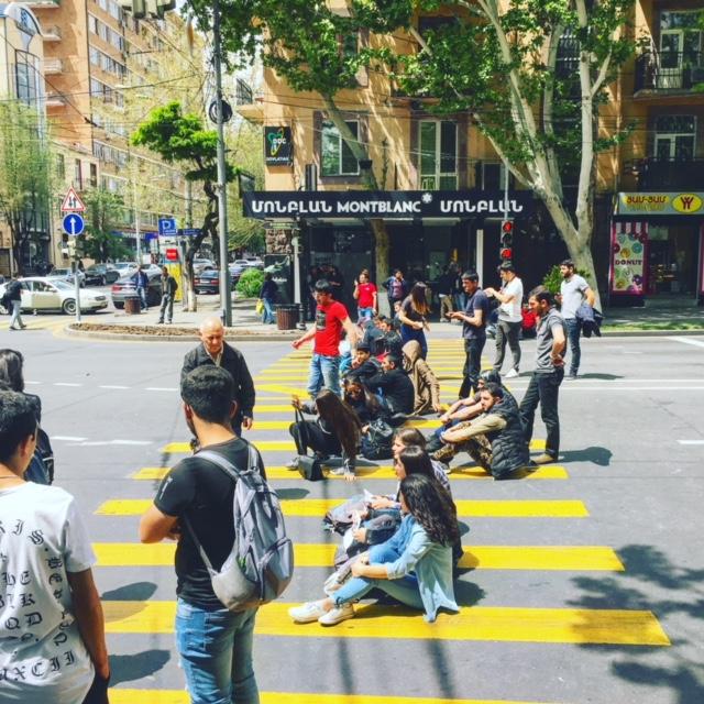 Politiek-Cafe-Armenie-Humanity-House.jpg
