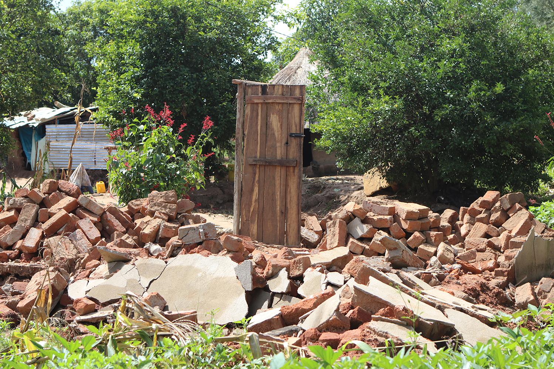 Dorcas-Mozambique-resten-huis.jpg