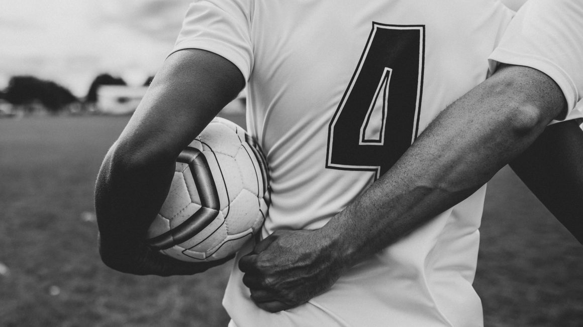 athletes-ball-black-and-white-1594932