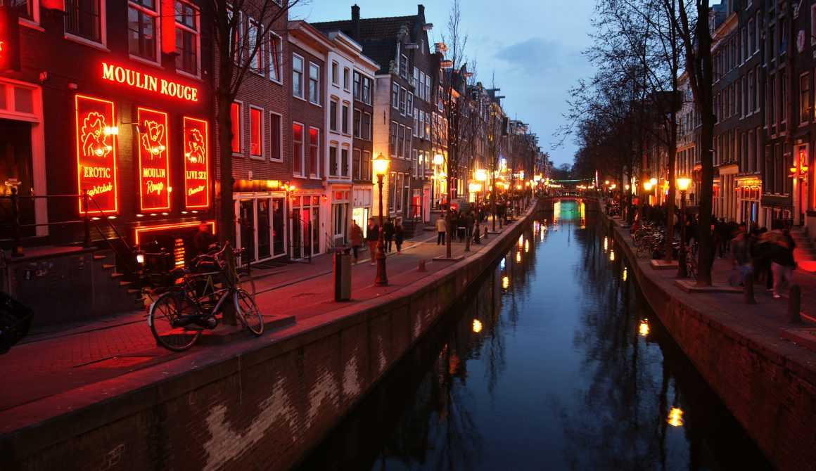 red-light-district-3292225_1920