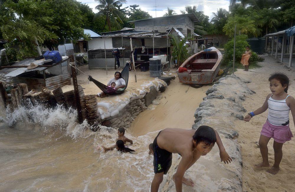 Climate change / sea-level rise in Kiribati