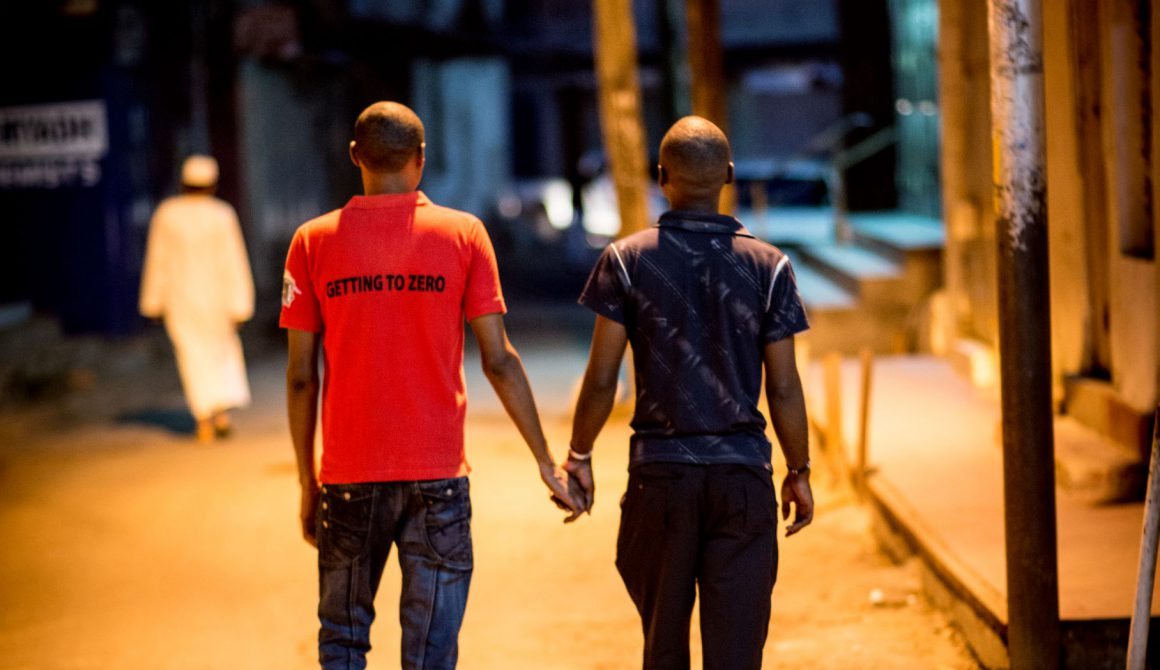 MKM_2680-Sokomoto-Photography-2015-MSM-holding-hands-in-Kilifi-Kenya.L.jpg