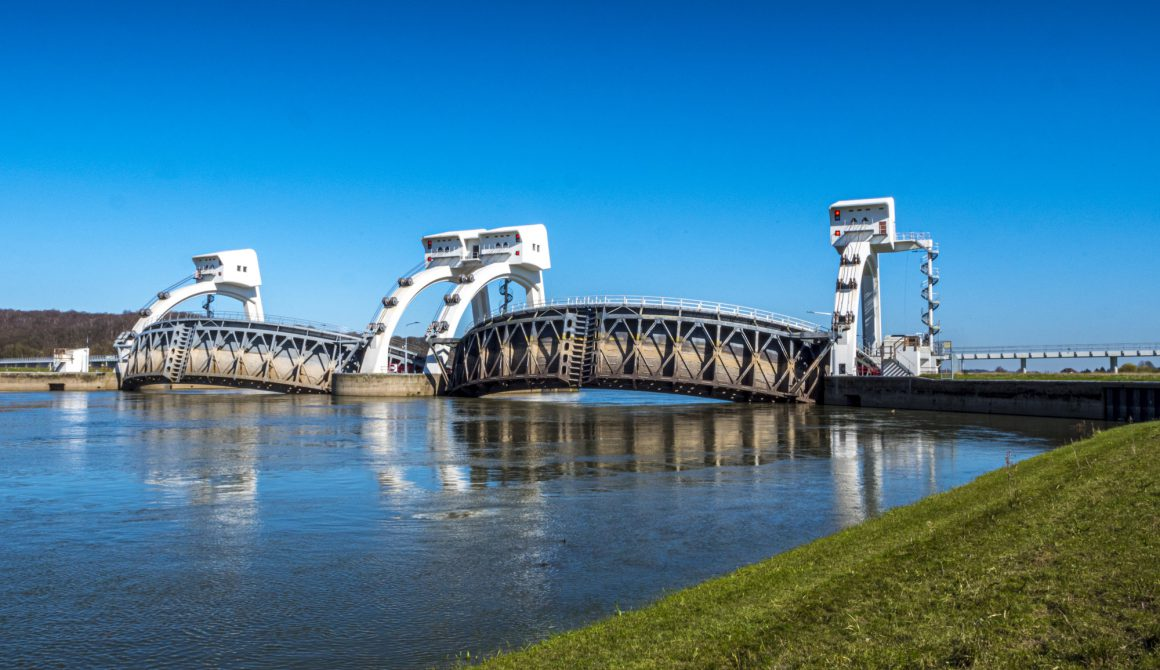 Weir and lock complex Nederrijn near Driel The Netherlands