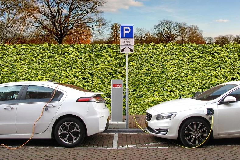 elektrische-auto-hybride-au (1)