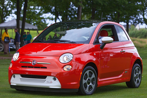 Plymouth,-,July,28:,A,Fiat,500,Electric,At,The
