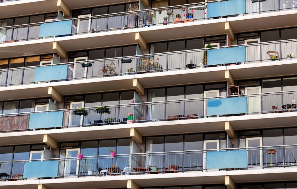 facade-of-a-modern-apartment-block-in-nijmegen-netherlands-picture-id174778075